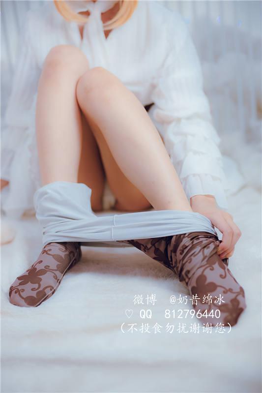 网红女神@傲娇黑兔 未烬+永恒花园[69P/2V/326MB]
