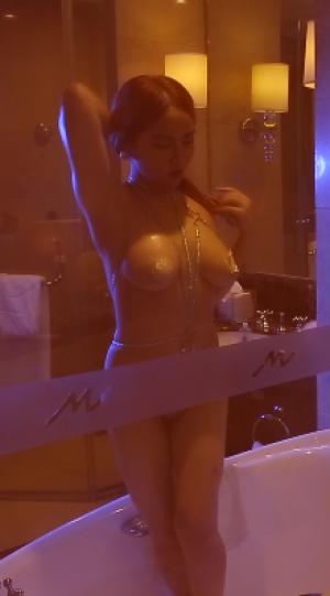 [XR秀人网 Video] 写真视频 2018.12.05 VN.111期 温心怡[1V]