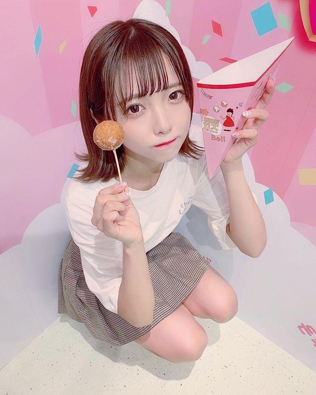 少女偶像福山梨乃,吃肉包的样子超可爱