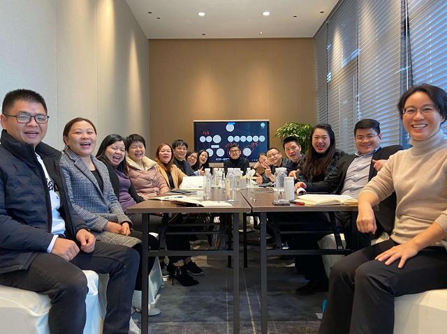 亮心教育王湛钧(王导)在深成功举办2021年中小企业经营目标规划讲座